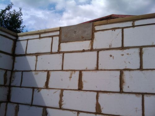 Installing The Padstones And Engineering Bricks My Extension