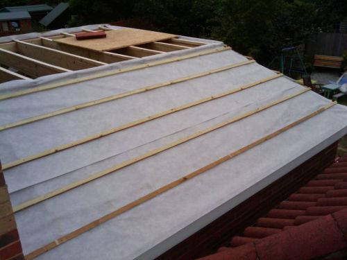 Fitting The Roof Felt Breathable Roof Membrane My