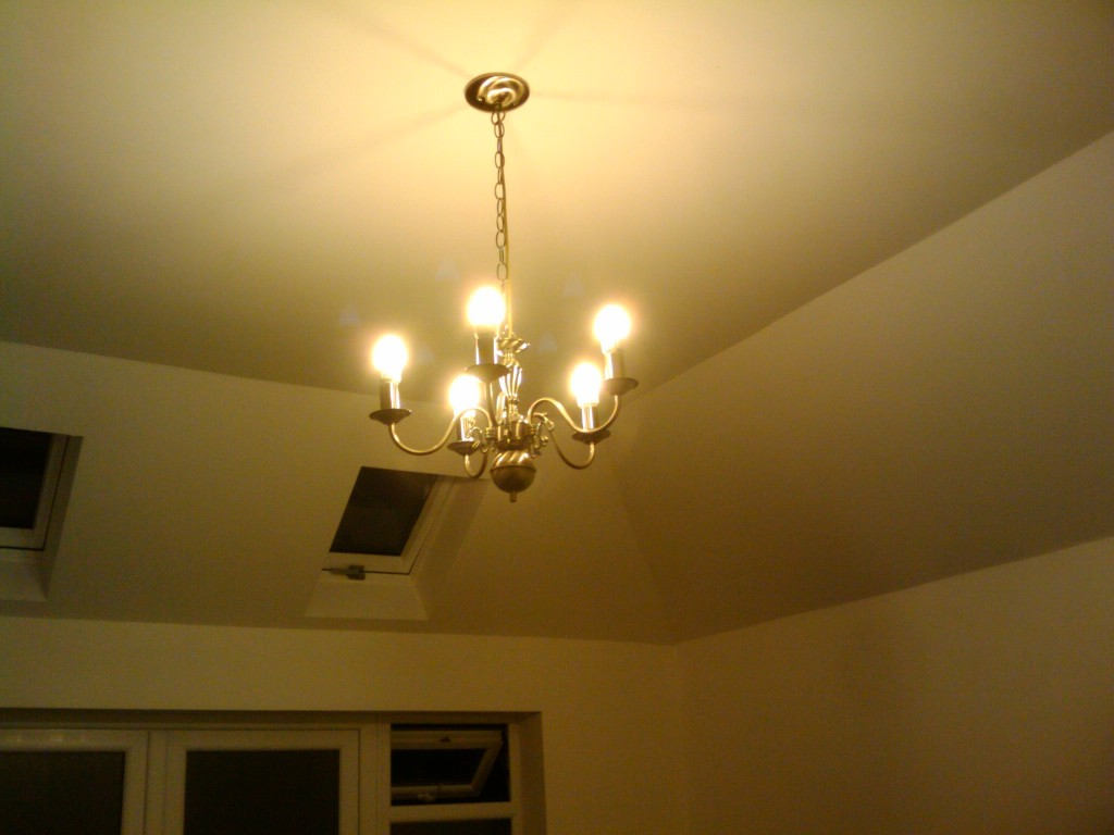 Brass chandelier with 5 dimmable LED bulbs