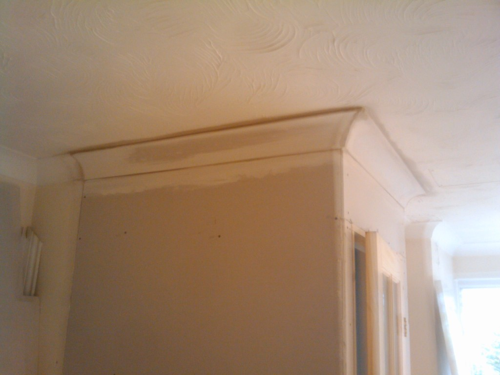 Cornice on the new partion wall