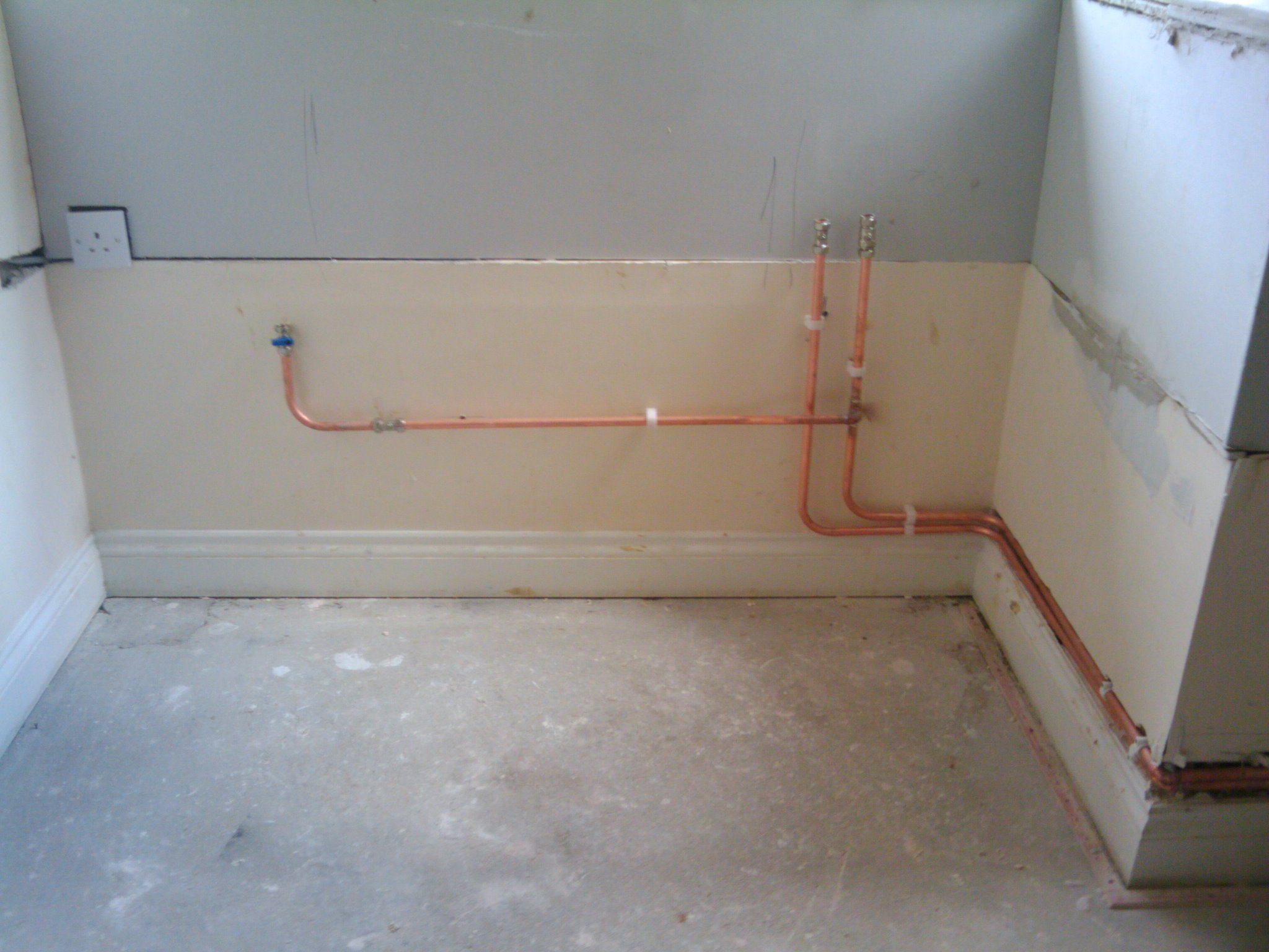 Wall Mounted Bath Shower Mixer Taps Problem Pipes Not Properly Chased Into Wall My Extension