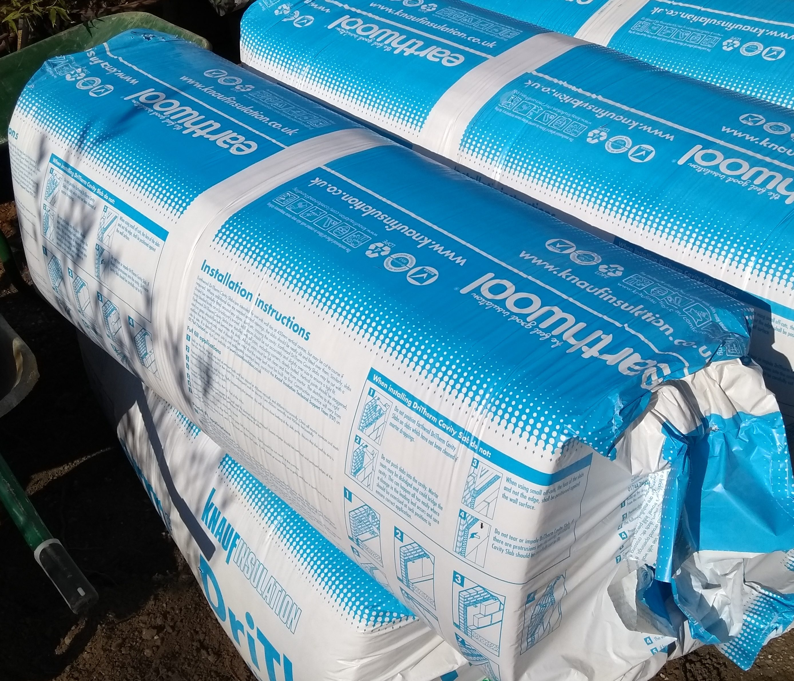 Knauf Earthwool cavity insulation