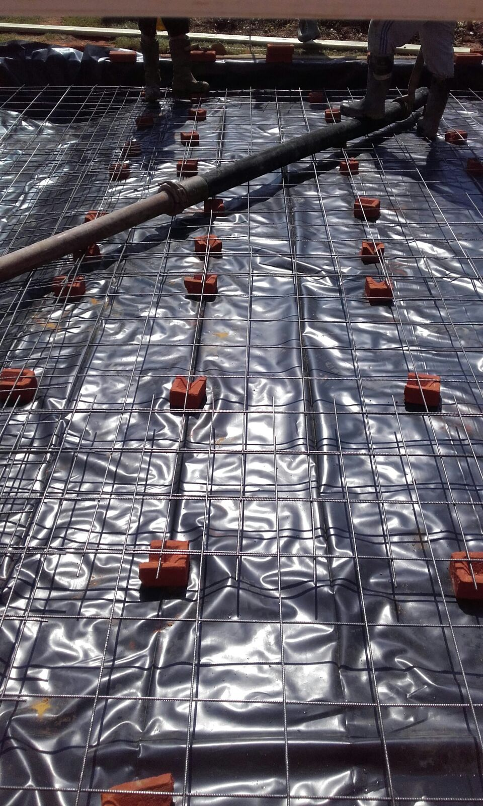 extension damp membrane and reinforcing mesh